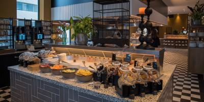 Das Van der Valk Hotel Amsterdam-Amstel verfügt über zwei Cool-Spot-Inseln im Restaurant.